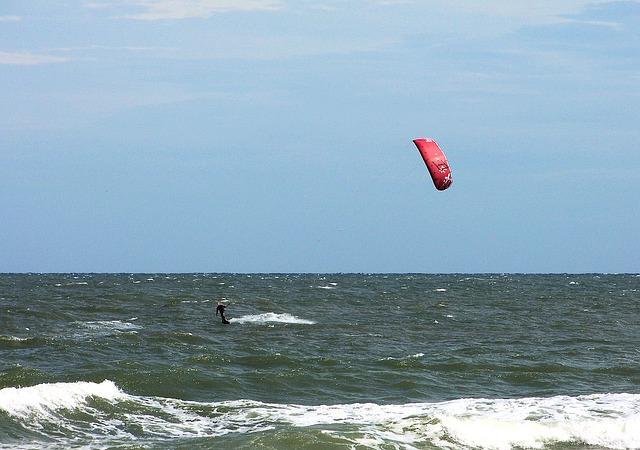 parasailing-13491_640